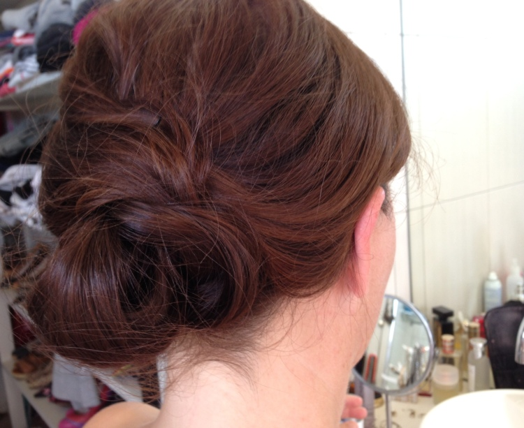 Easy DIY low-chignon bun