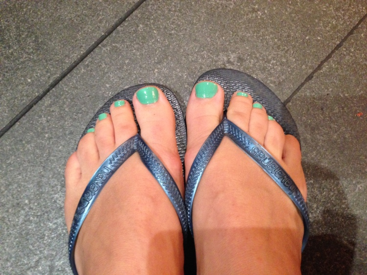 Green toe nails