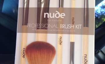 Cruelty-free Christmas Gift Pack Nude by Nature Bush Kit